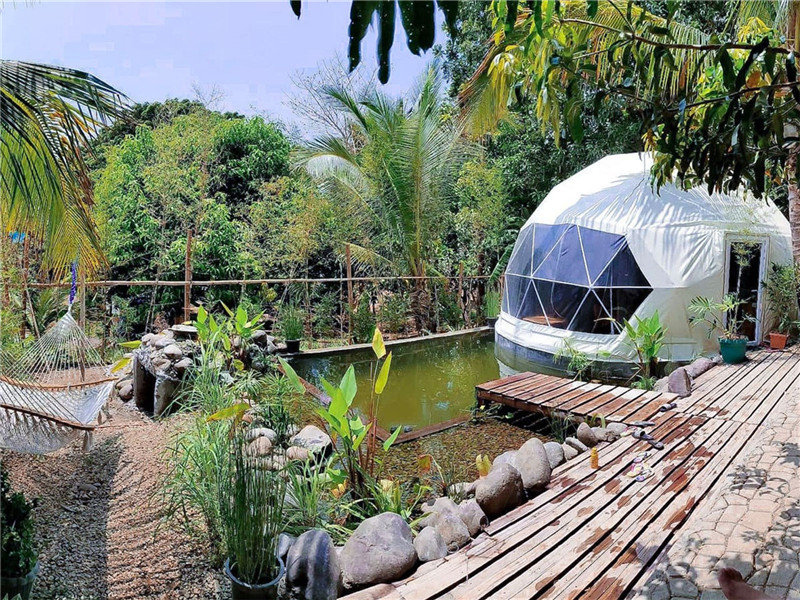 Geodesic Dome Tent Hotel Meets Nature
