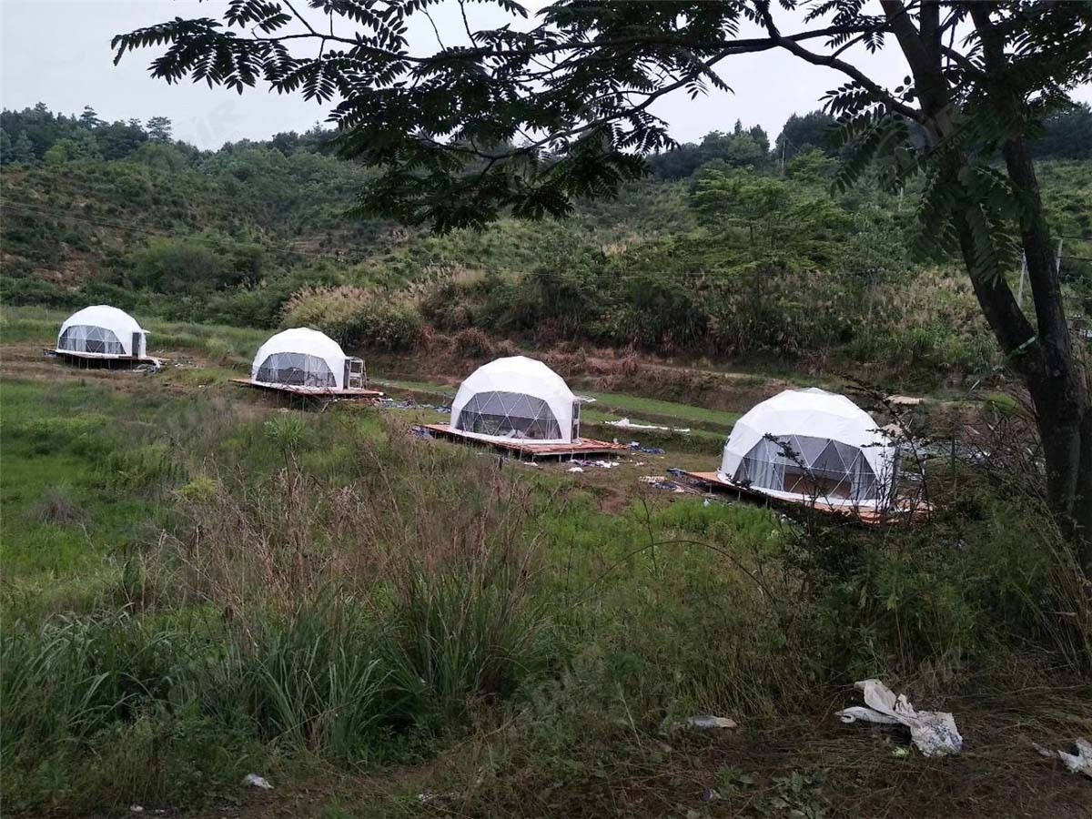 4 Spherical Dome Shaped Tents, Wilderness Mountains Glamping Domes Lodges