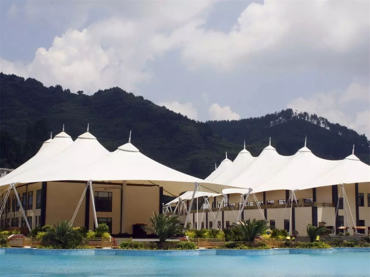 Estructuras de Techo de Membrana de PVDF Extensible Carpa Hotel Resort - Guizhou, China